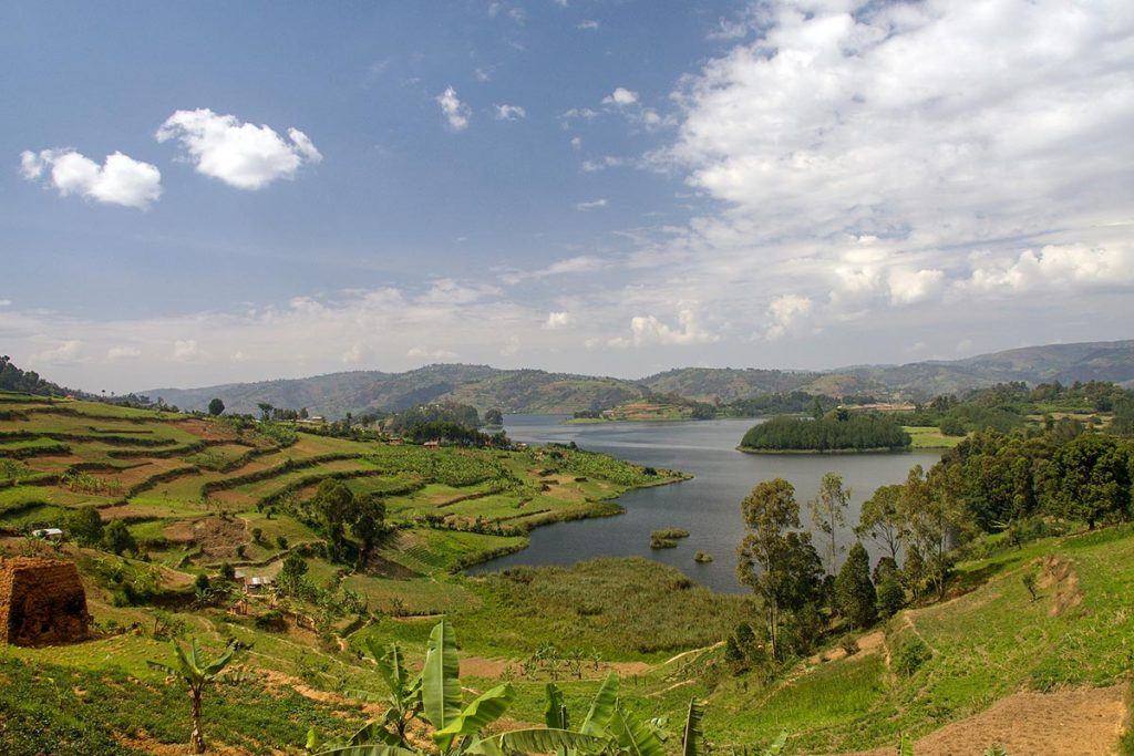 Uganda Wildlife Holiday Lake Bunyonyi